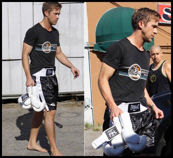 Ryan le boxeur qui sort d'une salle de sport le 4 janvier dans West Hollywood (toujours pieds nus)