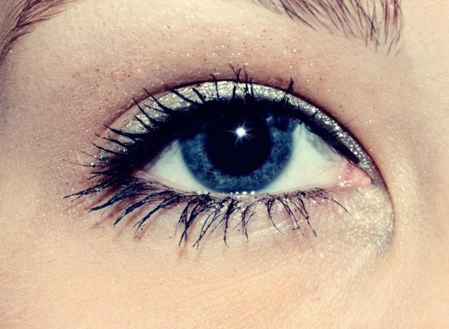 - Avant dans mes yeux, je voyais que les bonnes facettes de toi. Maintenant je vois que tes facettes de connard! ♥`