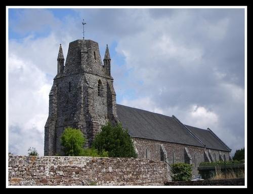 Regnéville sur Mer (50) - Son église dédiée aux pécheurs - Ce fut, en son temps, un très important port de pèche