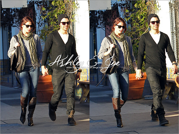 .26.11.10 : Ashley & Joe allant main dans la main manger au restaurant.  C'est du sérieux ... Ashley est superbe !  .