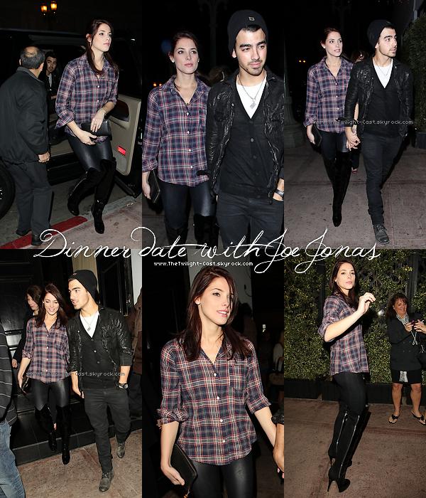 .26.11.10 : Ashley & Joe Jonas allant manger au restaurant 'Beso' (le soir).  Ils ne connaissent pas les cuisines, alors resto' obliger ^^. .