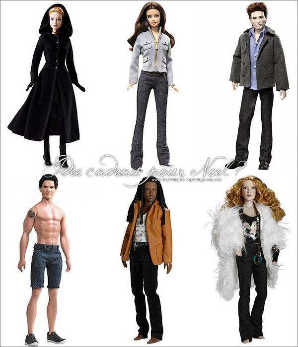.Folie Twilight : Part 1 Vous êtes mordue de Twilight et vous ne savez pas quoi demander pour Noel? Ne bougez plus et les webmiss de TT-C vous présente les poupées a l'éfigie des acteurs principaux de Twilight ! .