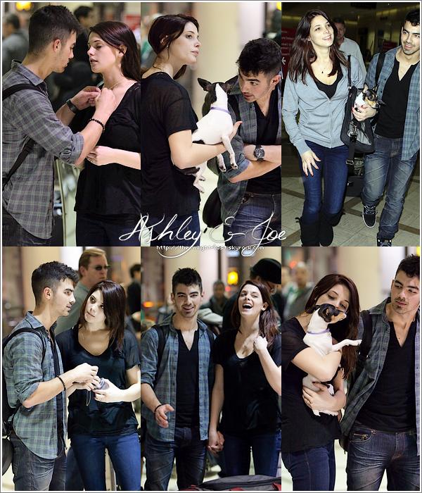 .29.12.10 : Ashley & Joe à l'aéroport de LA.  Quel grosse marade. Le même jour les toutereaux a Walt Disney ! .