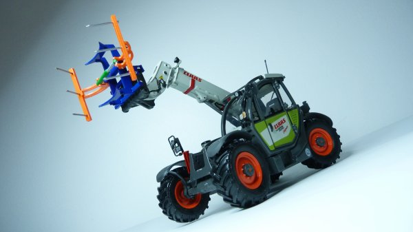Claas Scorpion and pince by MRC