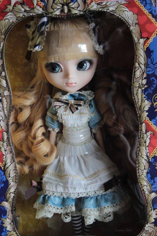 ~ L'arrivée de la Pullip Classical Alice (elle appartient à ma mère) ~