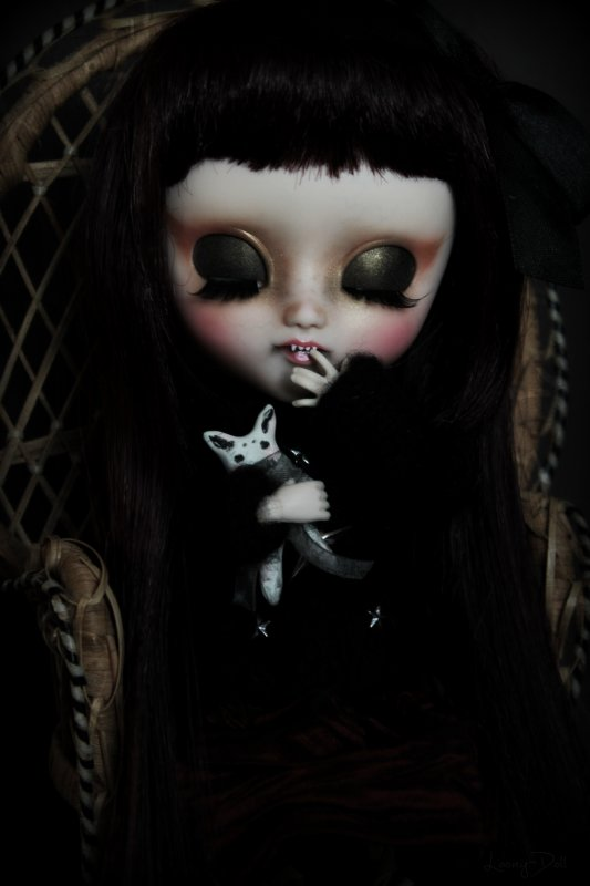 ~ Little monster with sharp teeth ~