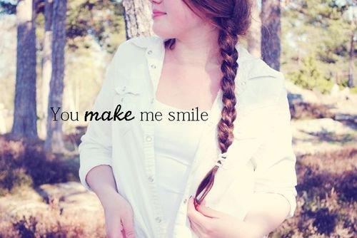 ♥ Le sourire fait fondre la glace, installe la confiance et guérit les blessures, c'est la clef des relations humaines sincères.   ♥