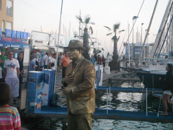 L'homme de Bronze au Cap d'Agde et mon futur bateau lolllllllllllllllllll