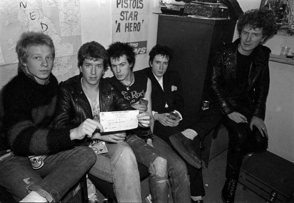 Faute d'inspiration, voilà les Sex Pistols.