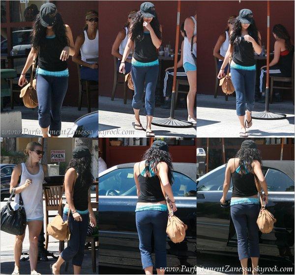 27.08.2010 // Vanessa quitte un déjeuner dans Studio City Côté tenue c' est un FLOP ! :S