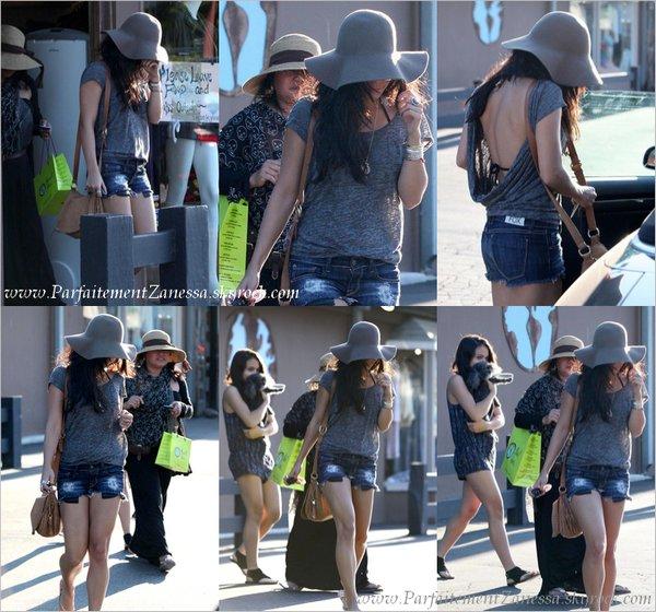 12.09.2010 // Nessa a été vue quittant une salle de yoga de Studio City en compagnie de sa mère : Gina et de sa soeur : Stella