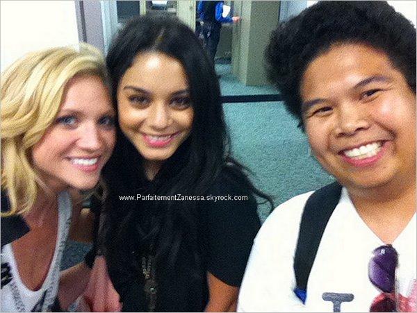 16.09.2010 // Vanessa Hudgens et Britanny Snow sont allées à Las Vegas . Elles ont été vu dinant et sirotant quelques cocktails au restaurant Tao