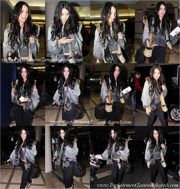 05.12.2010 // Vanessa avait fait son retour à Los Angeles ce week end . En effet, elle a réussi à échapper aux paparazzis jusqu' à ce qu' elle retourne à l' aéroport international LAX pour repartir à Hawaii