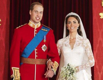 Une photo des jeunes mariés