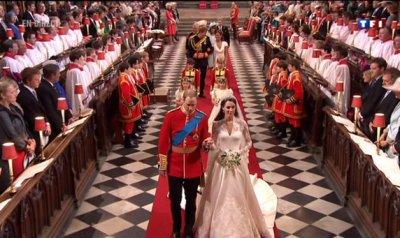 La sortie majestueuse des jeunes époux de l'Abbaye