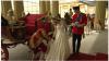 L'arrivée des jeunes mariés à Buckingham Palace