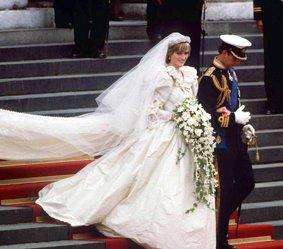 Le couple princier à la sortie de la Cathédrale
