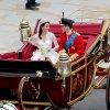 Les mariés dans le carrosse
