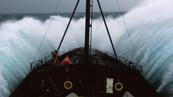 tempête en pleine mer