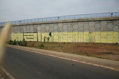 GRAFFITTI au coeur de dakar 35m de long  4m de largue octobre 2010