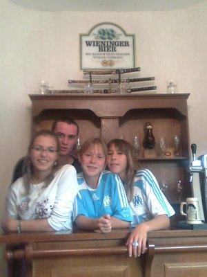 moi et mes deux soeur et mon beau frere