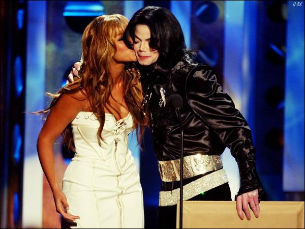 """♦ R u m e u r          Il ce pourrait que Beyonce, Usher, Wyclef Jean,Taylor Swift, Sheryl Crow et d'autres , fasse un Remake du célèbre morceaux """"We Are The World"""" paru en 1985 avec en vedette : Michael Jackson, Tina Turner, Lionel Richie, et bien d'autres encore. La chanson serait pour Haïti."""