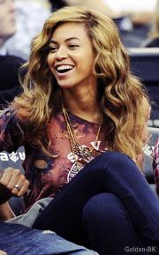 Beyoncé, Jay-Z et Julez à un match de basket (27/10).