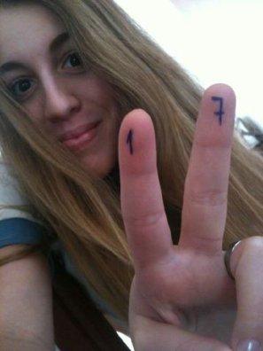 Photo que Laura a mis sur son twitter lors de ses 17 ans c'est a dire le 18 Mai