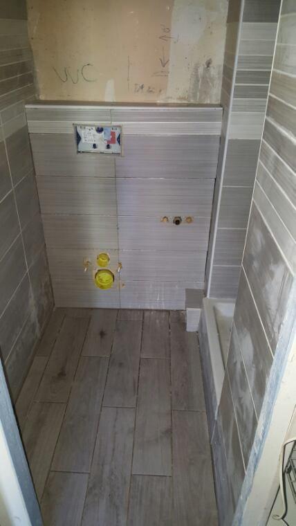 r novation salle de bain transformation pose wc suspendu receveur de douche installation. Black Bedroom Furniture Sets. Home Design Ideas