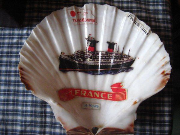Coquillage souvenir paquebot FRANCE