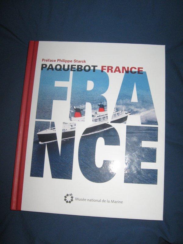 Livre : PAQUEBOT FRANCE , Musée national de la marine