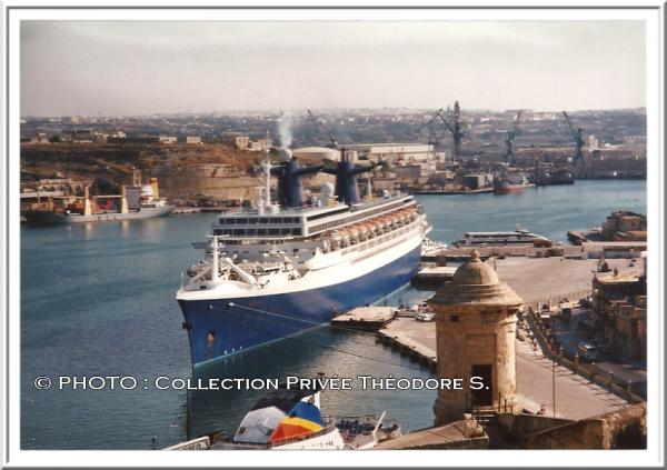 Le NORWAY à La Valette ( Malte ) - le FRANCE à Southampton