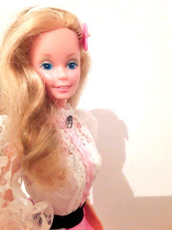 Barbie angel face 1982