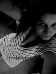 Maa Soeeur,Tu la touche ? C'est simple,je te couuche ! ♥