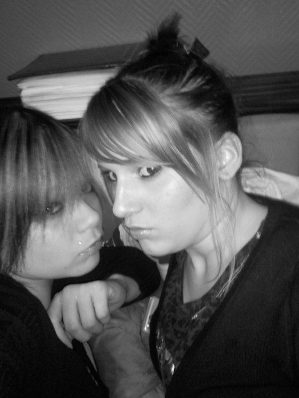 •  Brendaa  & Elodie   =D