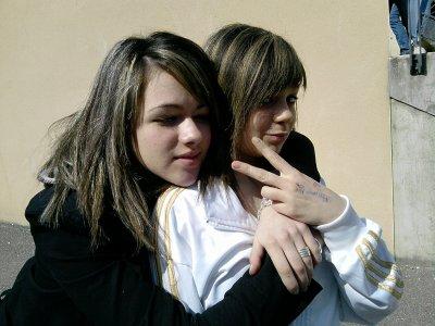 •  Brendaa  &  Laurine   =D