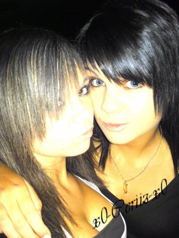 •  Brendaa  &   Anais    =D