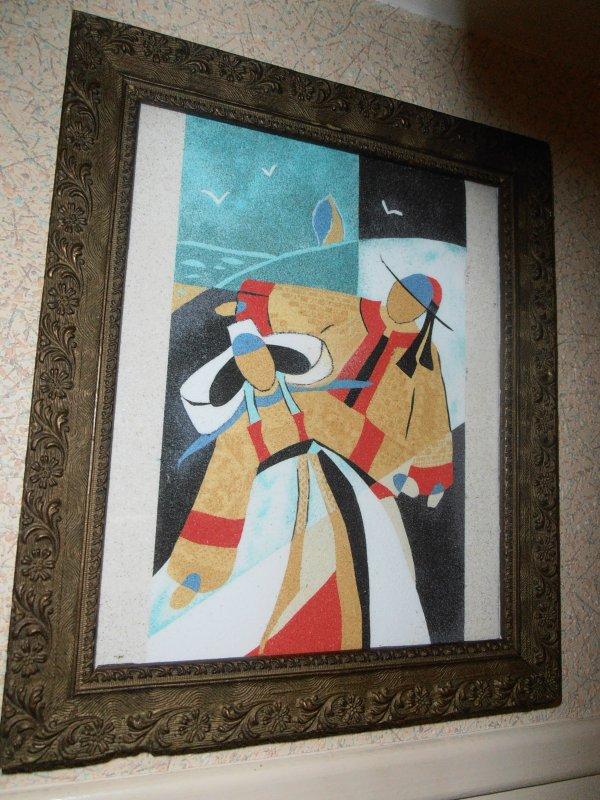 """""""Amoureux un soir d'automne"""" ma dernière création en sable coloré  (d'après une carte postale Izabel 46) Coiffe de  Quintin et Plaintel, appelée « ailes de pigeon », variante évoluée de celle de Saint-Brieuc."""