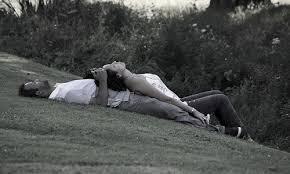 """""""Quand je t'ai vu, j'ai eu peur de te rencontrer. Quand je t'ai rencontré, j'ai eu peur de t'embrasser. Quand je t'ai embrassé, j'ai eu peur de t'aimer. Maintenant que je t'aime, j'ai peur de te perdre"""""""