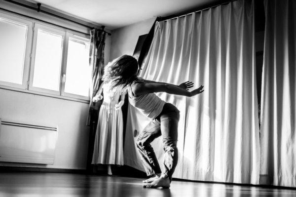 """""""J'admire ceux qui continuent à danser même lorsque la musique s'est arrêtée , car ce sont ceux qui continuent à avancer lorsque tout espoir est perdu ..."""""""