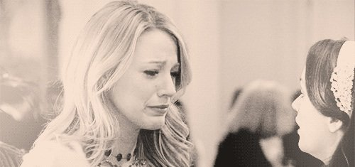 """""""T'es comme ma s½ur, c'est toi ma famille. Tes problèmes sont les miens. Quoi que tu dises, quoi que tu aies fait, je ne te laisserai pas tomber, c'est juré. Je t'aimerai toujours ..."""""""