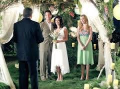"""""""Le mariage est l'art de résoudre à deux les problèmes que l'on ne se posait pas lorsque l'on était seule !"""""""