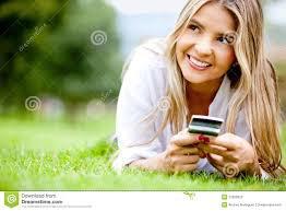 """""""Comme le doudou de votre enfance, votre téléphone vous rassure. Son écran est doux, apaisant, hypnotique. Il vous donne une contenance dans toutes les situations et vous offre une facilité de contact immédiat qui laisse ouverts tous les possibles..."""""""