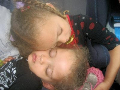 Kaylia et Kayssie en plein sommeil