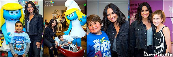 29/03/17 - Demi s'est rendu dans un hôpital pour rendre visite à des enfants à Los Angeles.