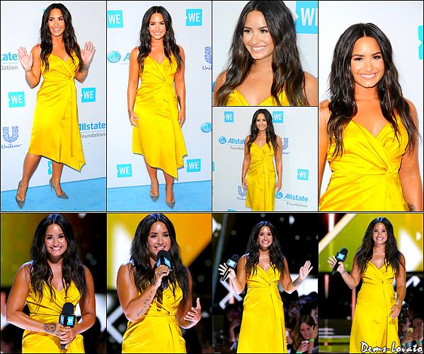 """27/04/17 - Notre Demi Lovato s'est rendu à l'évènement des """"We Day"""" au The Forum à Inglewood."""