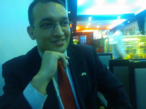 الشاعر بغداد سايح في الأيام الأدبية بولاية المدية أكتوبر 2014