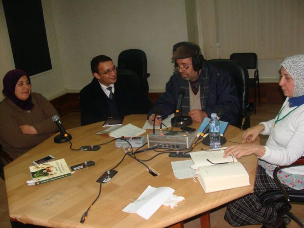الشاعر بغداد سايح في المدية متوجا بالجائزة الأولى عن عناقيد ثورة في ملتقى دولي يحمل اسم العلامة محمد بن أبي شنب/ديسمبر2014