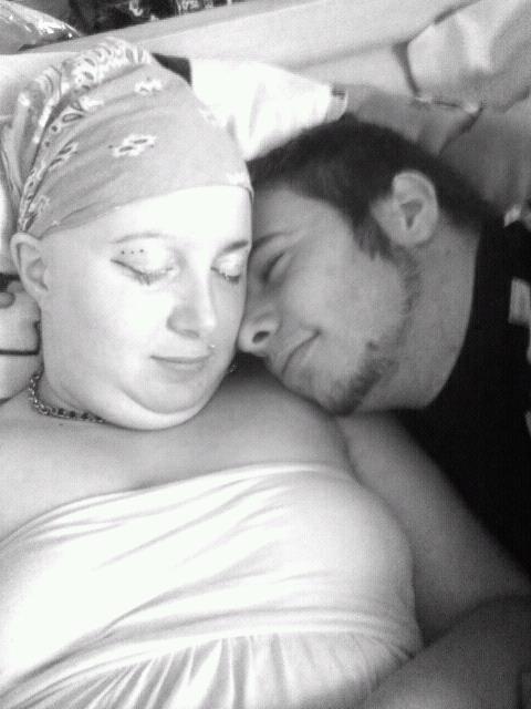 notre amour 03.06.2011 et sa pas près de se finir, l'homme de ma vie c'est toi!!!!! MICKAEL je t'aime