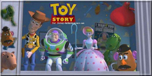 """Article N°7___Buzz l'éclair: """"Vers l'infinie et l'au delàs.""""________________'l__Toy Storyi'i_'________________Sur Disney-Fantasia.skyrock.com"""
